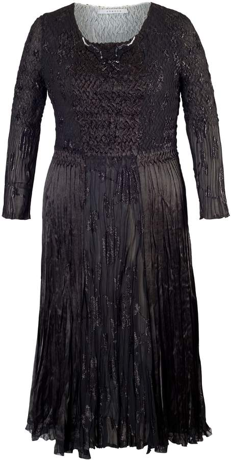 House of Fraser Chesca Plus Size Black Crush Pleat Contrast Lined Dress