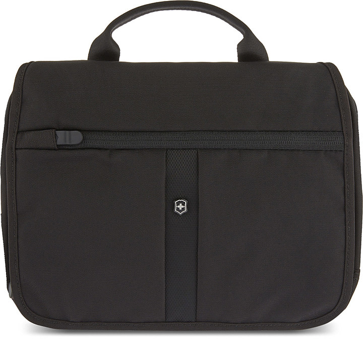 Victorinox Adventure Traveller Deluxe 3-way travel bag