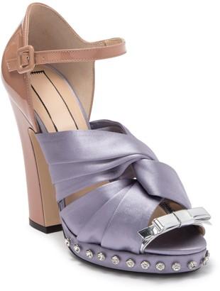 N°21 Lilla Crystal Embellished Satin Knot Block Heel Sandal