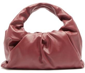 Bottega Veneta The Shoulder Pouch Small Leather Bag - Burgundy