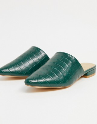 Truffle Collection flat mules in gren croc