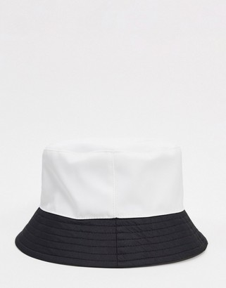 Topshop contrast panel bucket hat in white