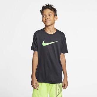 Nike Big Kids' Swoosh Training T-Shirt Dri-FIT
