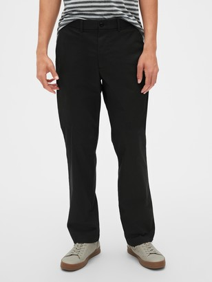 Gap Modern Khakis in Relaxed Fit with GapFlex