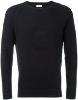 Closed textured sweatshirt