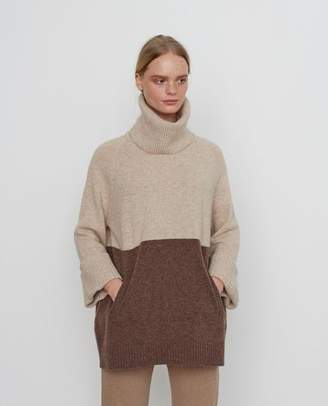 Beaumont Organic Nell Wool Jumper In Oat And Brown - S / Oat & Brown