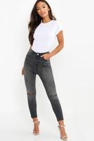 boohoo Petite Grey Wash Rip Knee Skinny Jeans