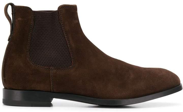 0510522e suede Chelsea boots