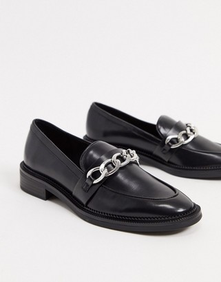 Stradivarius chain detail loafers in black