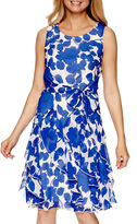 Robbie Bee Sleeveless Floral Chiffon A-Line Dress