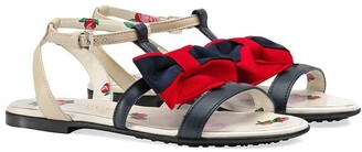 Gucci Kids Children's leather sandal with Web bow