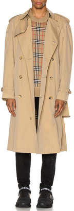 Burberry Heritage Refresh Raglan Trench Coat in Honey | FWRD