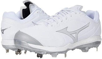 Mizuno Sweep 5 Low Metal Softball Cleat (White) Women's Shoes