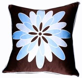 Plush Living - Nook Dahila Silk Pillow