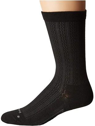 Feetures Texture Ultra Light Crew Sock (Black) Crew Cut Socks Shoes