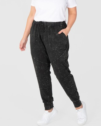 Love Your Wardrobe - Women's Black Sweatpants - Jessie Washer Jogger - Size One Size, 18 at The Iconic