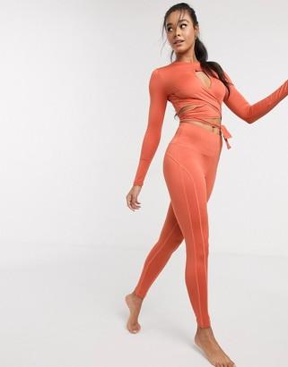 South Beach Yoga leggings in red