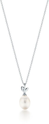 Tiffany & Co. Paloma Picasso Olive Leaf pendant in sterling silver with a cultured pearl