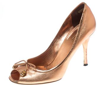 Gucci Metallic Bronze Leather Bamboo Bow Peep Toe Pumps Size 37