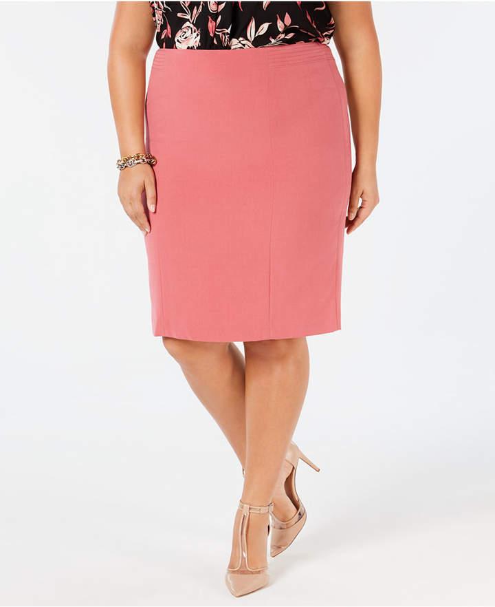 Plus Size Back-Vent Pencil Skirt