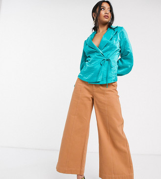 ASOS DESIGN Petite minimal cropped wide leg jeans with seam details