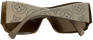 Louis Vuitton Beige Plastic Sunglasses