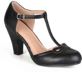 Brinley Co. Womens Cut Out Round Toe T-strap Matte Mary Jane Pumps