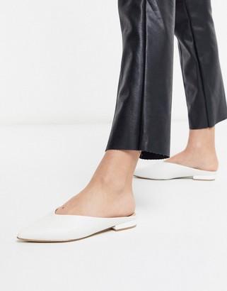 Aldo Nirasa mule flat shoe in white leather