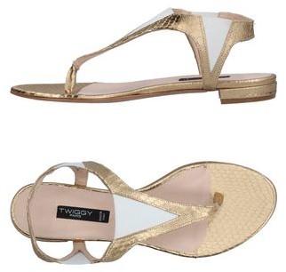 Twiggy Toe strap sandal