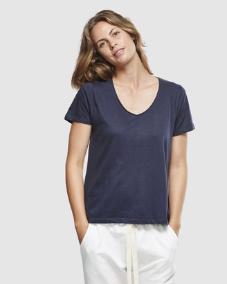 Cloth & Co. Organic Cotton Classic V-Neck Tee