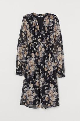 H&M MAMA V-neck Dress