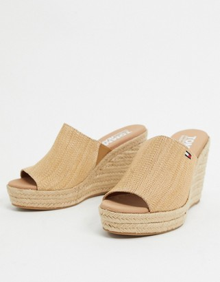 Tommy Hilfiger wedge mules in beige