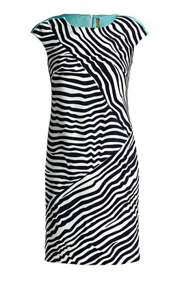 Conquista Sleeveless Striped Fitted Dress