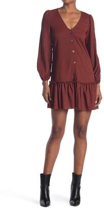 Kenedik Ruffle Hem Crinkle Button Dress