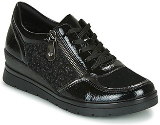 Remonte Dorndorf women's Shoes (Trainers) in Black