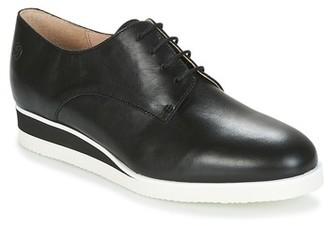 Betty London INKABA women's Casual Shoes in Black