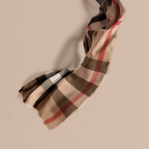 Burberry The Lightweight Cashmere Scarf In Ombré Check, Brown