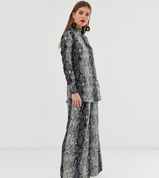 Verona wide leg trouser co-ord in python print