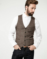 Le Château Tonal Herringbone Woven City Fit Vest