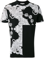 McQ by Alexander McQueen Ghotic T-shirt - men - Cotton - S