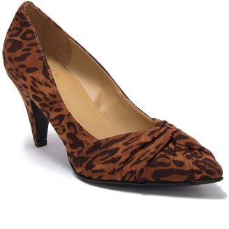 Naturalizer Margret Leopard Print Pointed Toe Pump