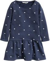 H&M Sweatshirt Dress with Flounce - Dark blue/hearts - Kids
