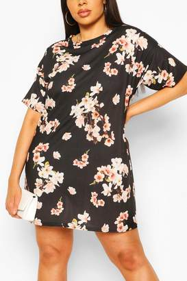 boohoo Plus Ditsy Floral Print Oversized T-shirt Dress
