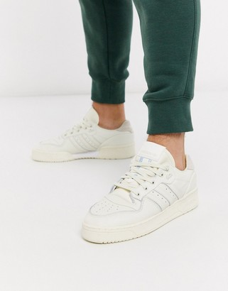 adidas rivalry low sneakers in suede