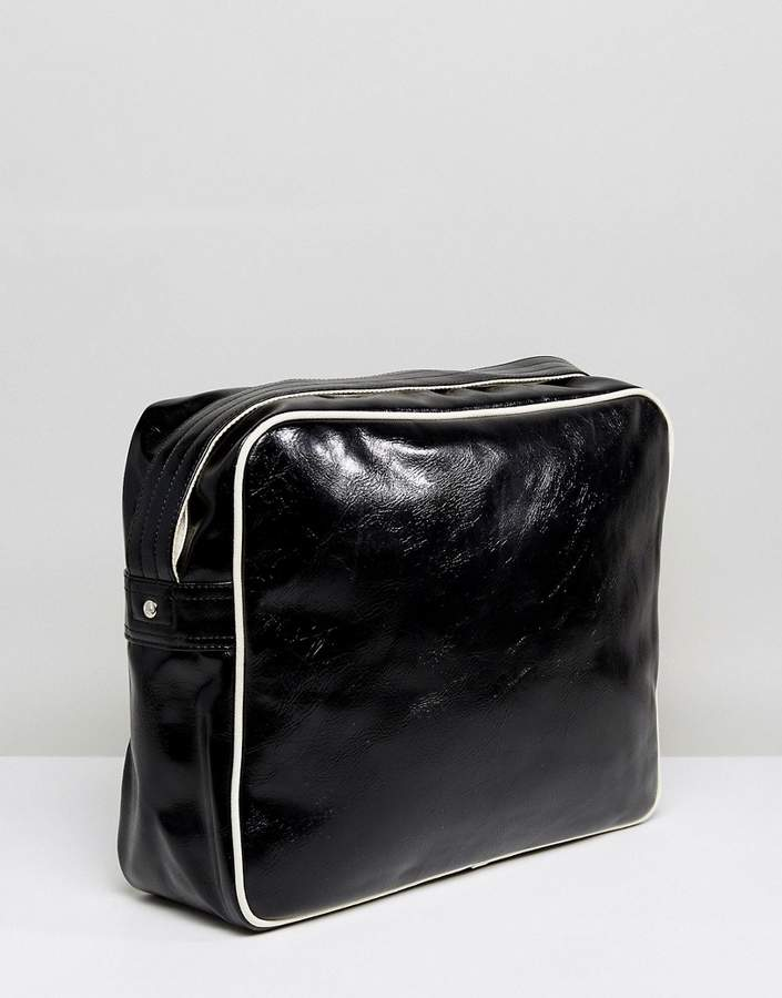 Fred Perry Messenger Bag In Black