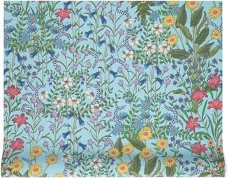 Gucci New Flora print wallpaper