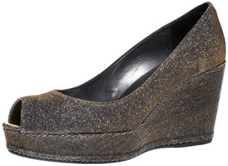 Stuart Weitzman Gold Glitter Lame Fabric Peep Toe Wedge Pumps Size 38