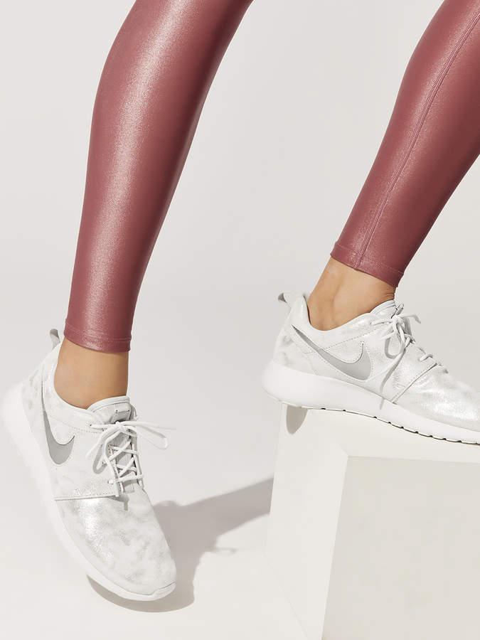 Nike Women's Roshe One Premium Shoe