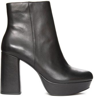 Steve Madden Grate Black Leather Bootie Black 9.5