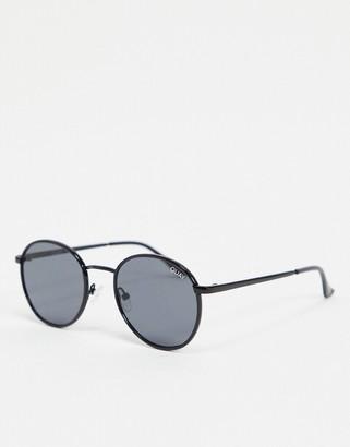 Quay Omen mens round sunglasses in black